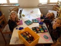 Kreativ leg i Malerummet